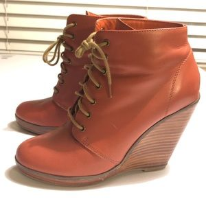 URBAN OUTFITTERS COLLECTIVE LEATHER WEDGE BOOTIES
